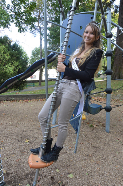 Mélissa Martinez reine quartier Plaine 2015 WEB